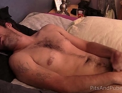 straight dude with a hairy bush